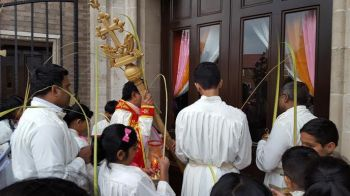 Photo #1 - U.K. - Spiritual - manchester_palm_sunday_news