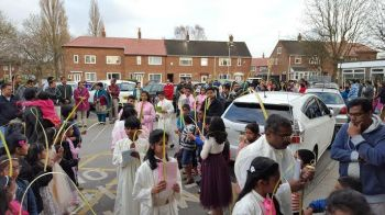 Photo #3 - U.K. - Spiritual - manchester_palm_sunday_news