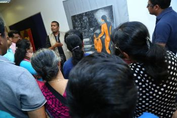 Photo #2 - U.K. - Arts-Literature - giji_victor_painting_exibition