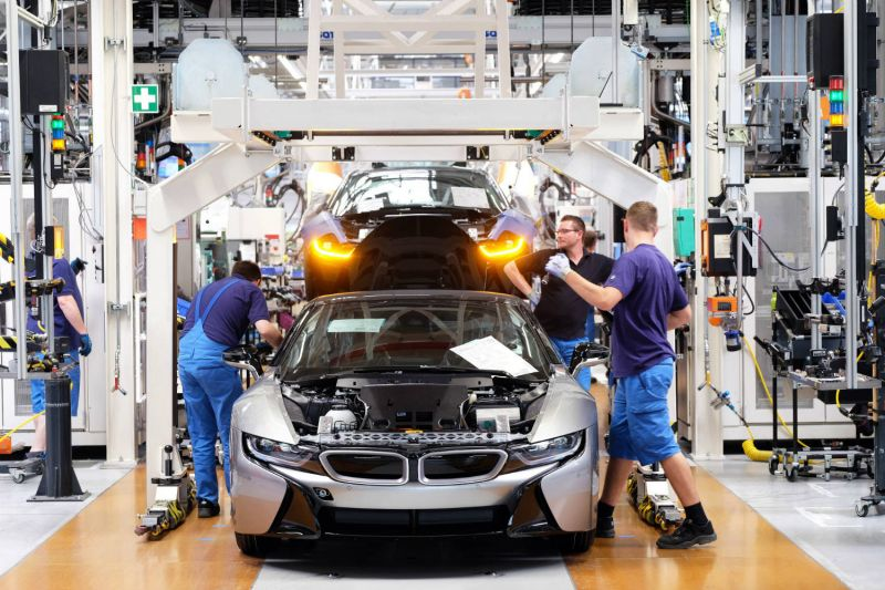Photo #1 - Germany - Finance - 26620192bmw